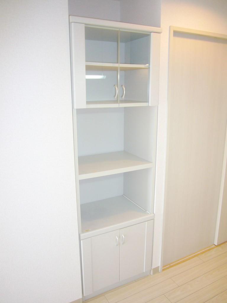キッチンに食器棚あり(キッチン)