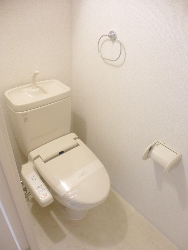 ウォシュレット付きトイレ(内装)